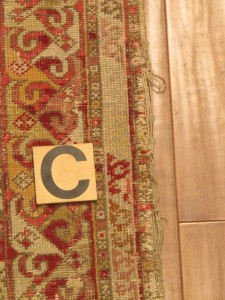 Anatolian Rug 6' 4 x 6' 5 - before repair (5)