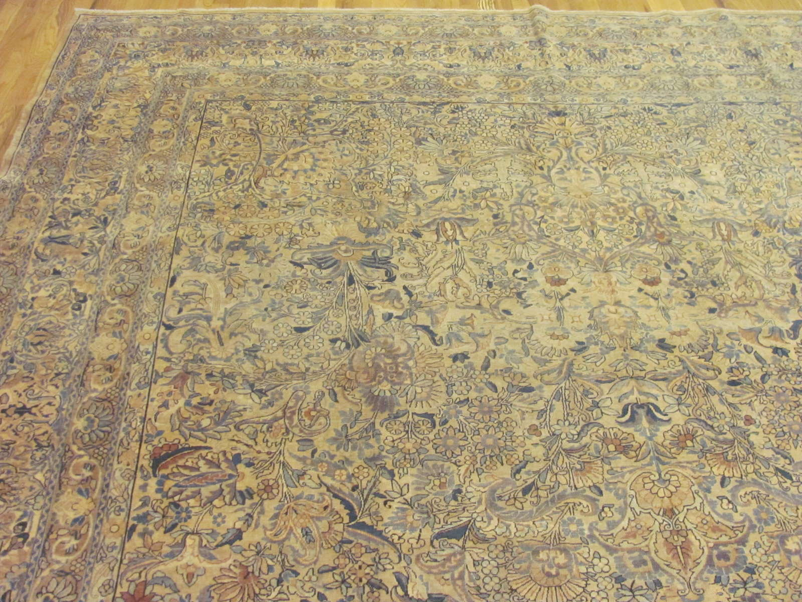 24270 Persian Kirman carpet 9,10 x 19,4 (1)