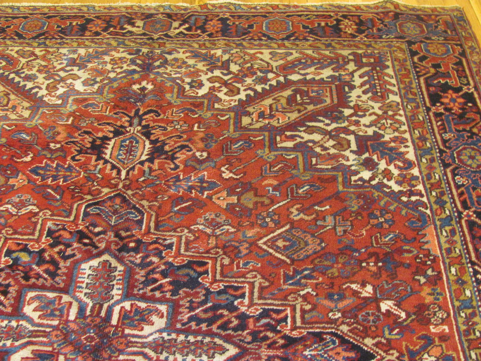 24523 Persian Heriz carpet 8,2 x 9,2 -1