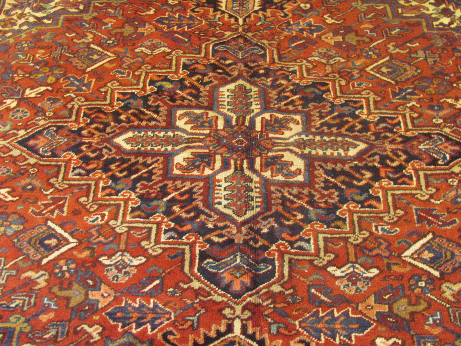 24523 Persian Heriz carpet 8,2 x 9,2 -2