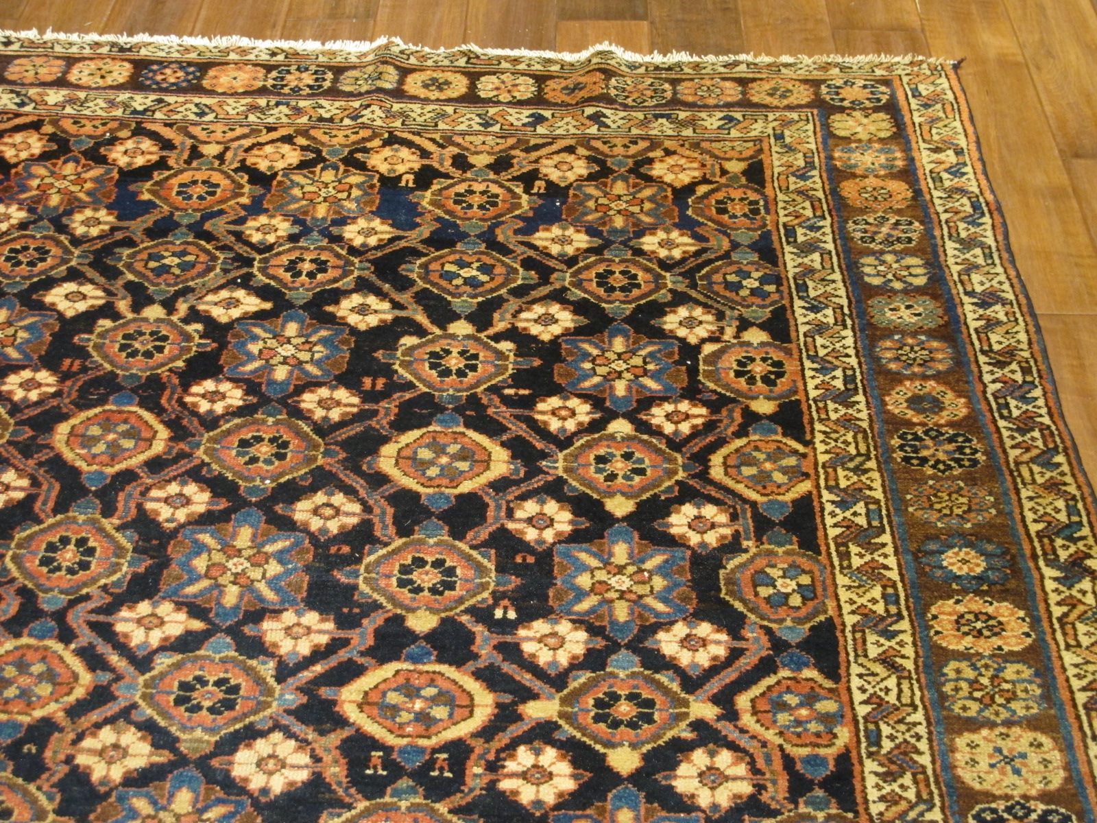 22148 Antique Persian Veramin gallery rug 5,5 x 11,2 (3)