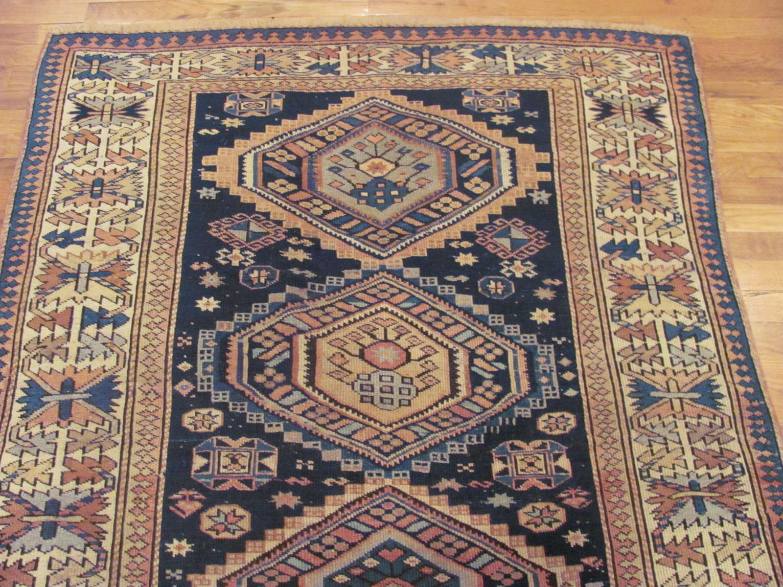 24511 antique Caucasian Shirvan rug 4,2 x 8,9 -1