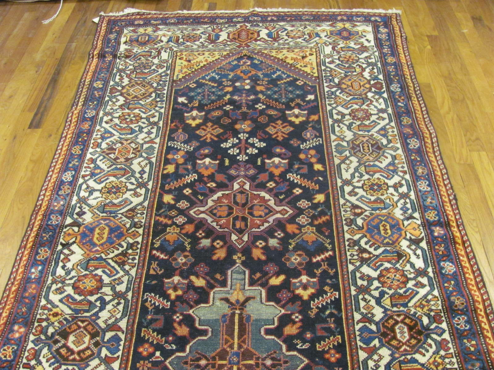 24825 antique persian baktiar rug 4,5x10,5-1