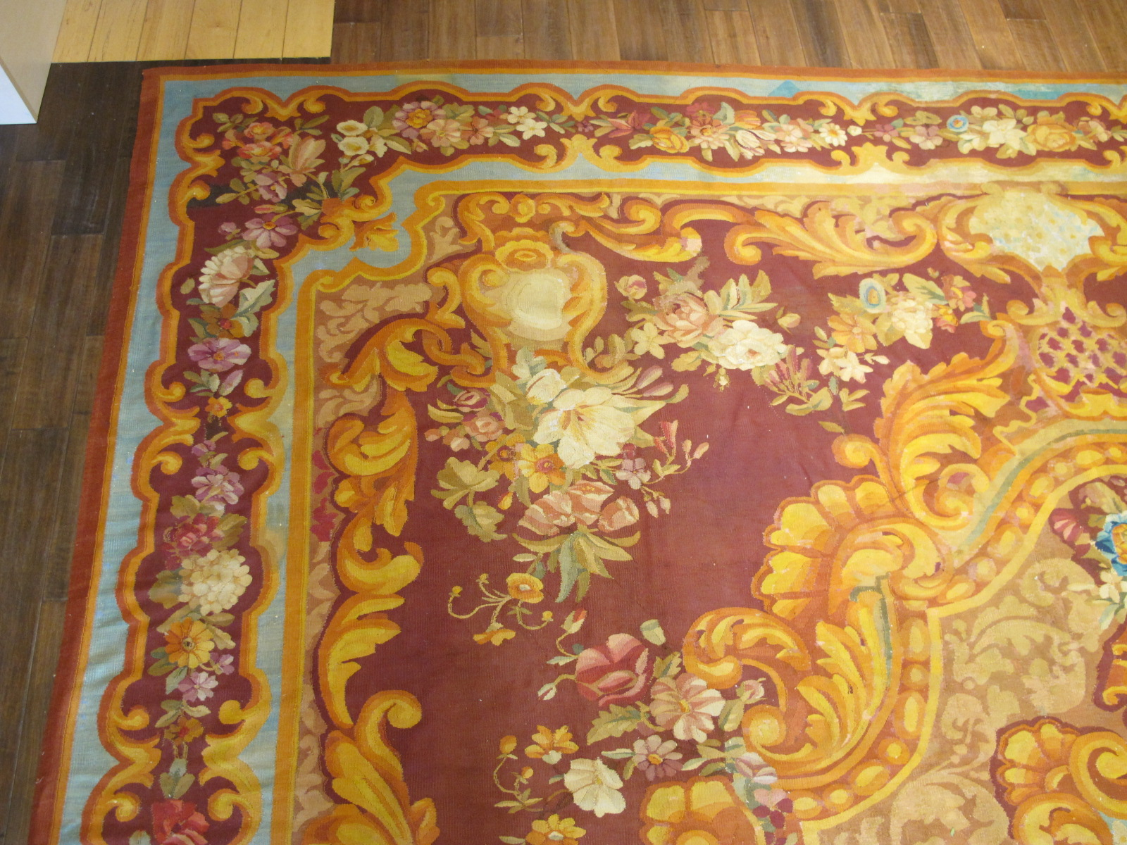 23660 Antique French Aubusson carpet 15 x 15,4 (2)
