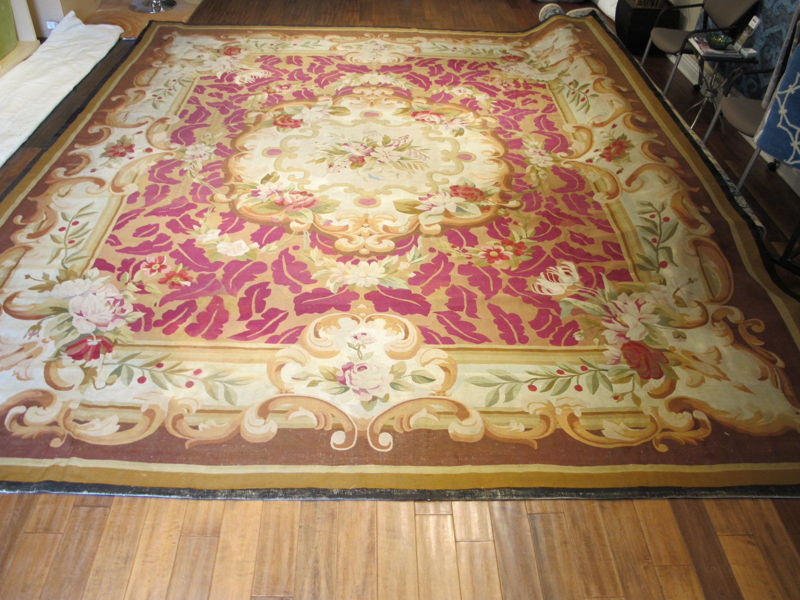23661 Antique French Aubusson carpet 13,8 x 16 (1)
