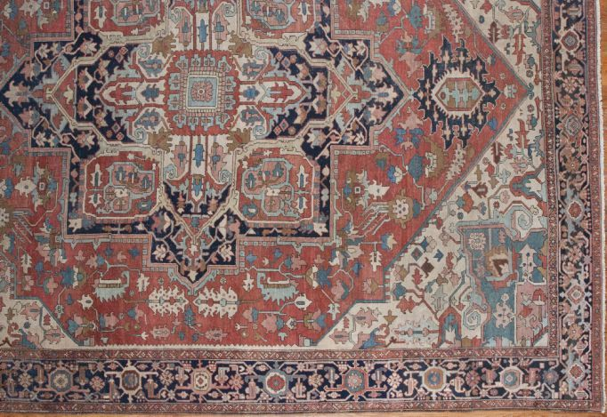 24981 Antique Persian Serapi carpet  10,9 x 12,10