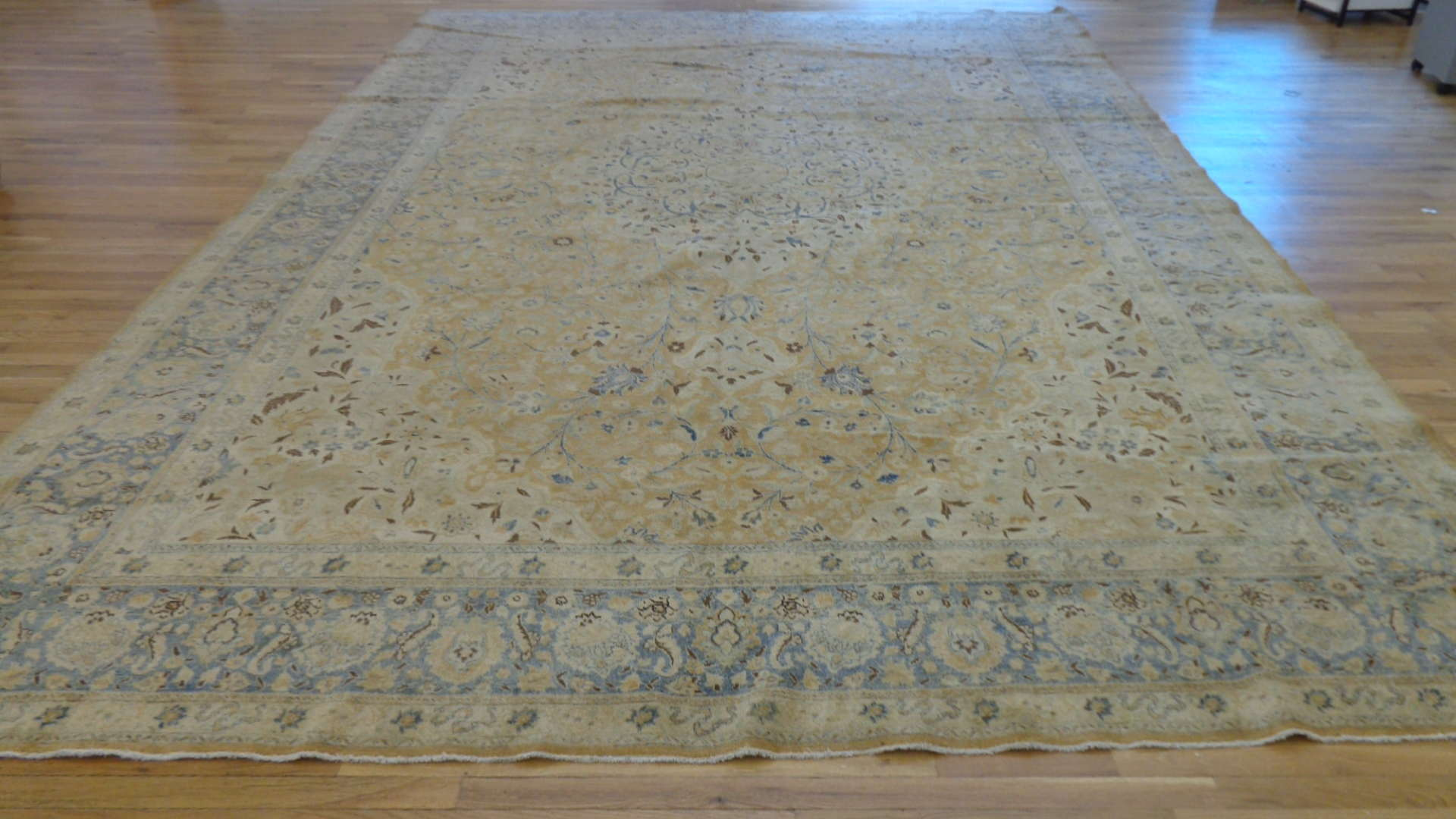 24997 Antique Persian Tabriz carpet  10,8 x 15,8