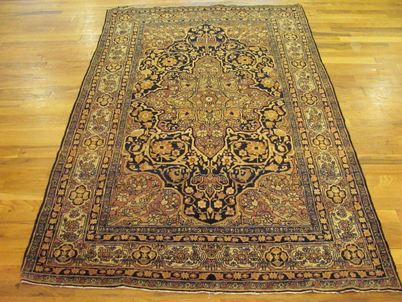 25056 antique Persian Kirman Lavar rug 4,4x6,7