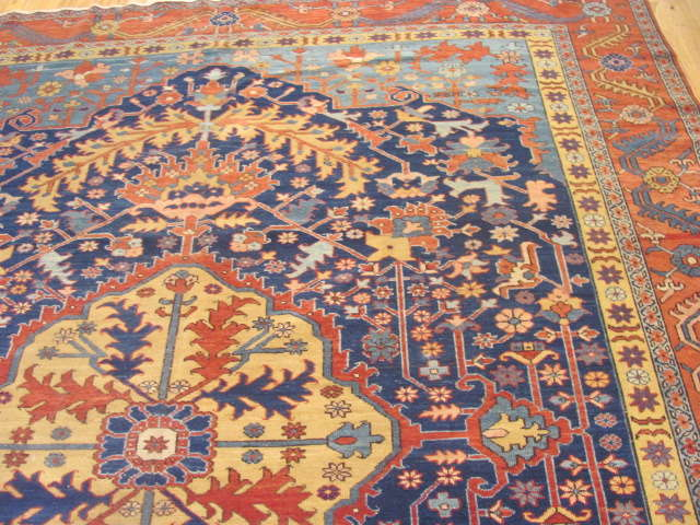 25063 antique Persian Serapi rug 8 x 9,8-1