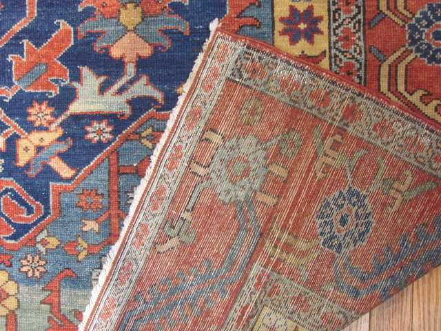 25063 antique Persian Serapi rug 8 x 9,8-3